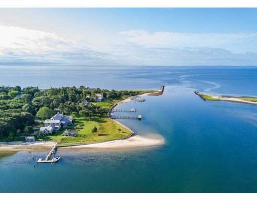 Single Family Home for Sale at 986 Sea View Avenue 986 Sea View Avenue Barnstable, Massachusetts 02655 United States