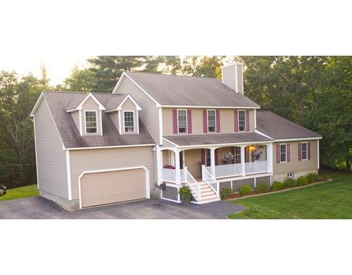 واحد منزل الأسرة للـ Sale في 62 Woodhawk Avenue 62 Woodhawk Avenue Milford, New Hampshire 03055 United States