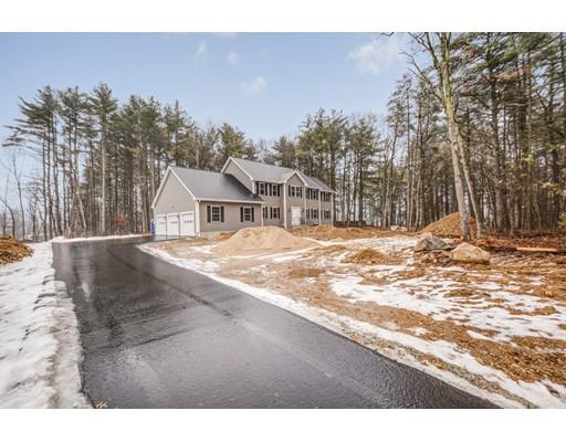 Maison unifamiliale pour l Vente à 328 Groton Road 328 Groton Road Westford, Massachusetts 01886 États-Unis