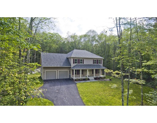 واحد منزل الأسرة للـ Sale في 4 acorn lane 4 acorn lane Sturbridge, Massachusetts 01566 United States