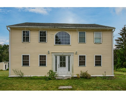 Maison unifamiliale pour l Vente à 2 River Road Royalston, Massachusetts 01368 États-Unis