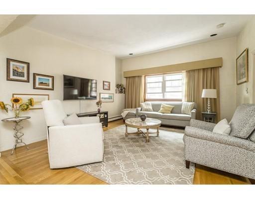 Nhà ở nhiều gia đình vì Bán tại 7 Lathrop Place Boston, Massachusetts 02113 Hoa Kỳ