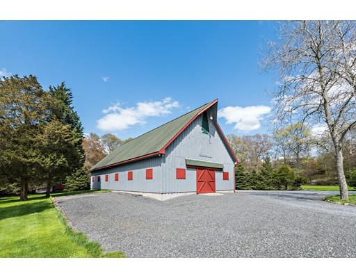 Maison unifamiliale pour l Vente à 253 Cummings Road 253 Cummings Road Swansea, Massachusetts 02777 États-Unis