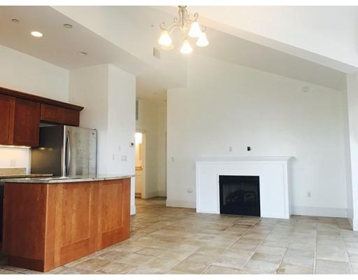Condominio por un Alquiler en 225 Derby Street #602 225 Derby Street #602 Salem, Massachusetts 01970 Estados Unidos