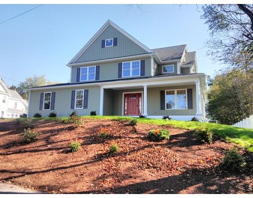 Maison unifamiliale pour l Vente à 18 Cottage 18 Cottage Medfield, Massachusetts 02052 États-Unis