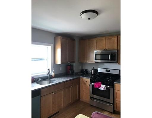 独户住宅 为 出租 在 25 hooker Street Braintree, 马萨诸塞州 02184 美国