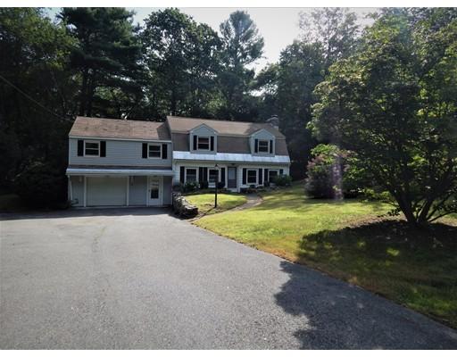 Maison unifamiliale pour l Vente à 10 Marilyn Park Hampstead, New Hampshire 03841 États-Unis