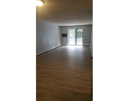 Single Family Home for Rent at 40 Main Street North Reading, 01864 United States