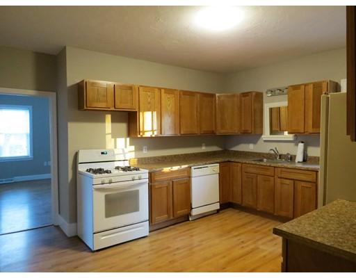 Maison unifamiliale pour l à louer à 90 Oak Middleboro, Massachusetts 02346 États-Unis