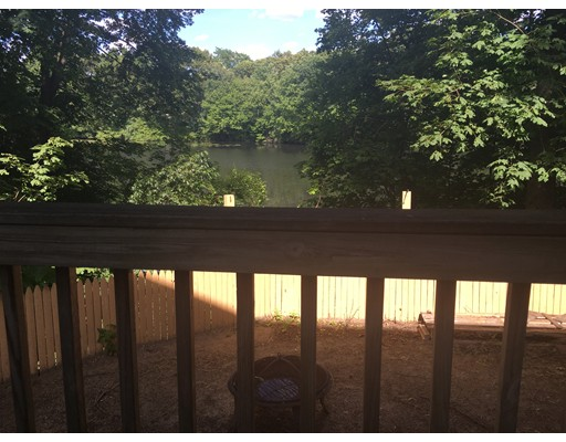 Casa Unifamiliar por un Alquiler en 65 Pond Attleboro, Massachusetts 02703 Estados Unidos