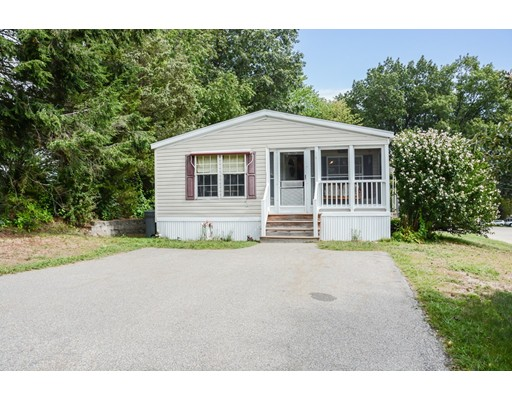Single Family Home for Sale at 15 Oak Hill Drive Hampstead, New Hampshire 03841 United States