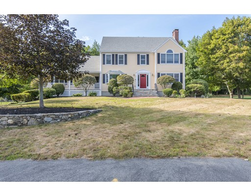 Single Family Home for Sale at 38 Old Farm Road 38 Old Farm Road Abington, Massachusetts 02351 United States