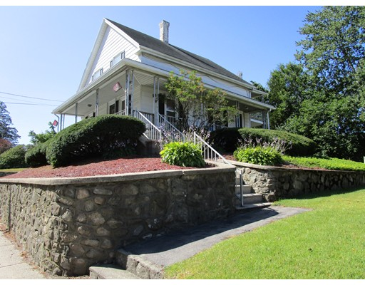Maison avec plusieurs logements pour l Vente à 1725 Mendon Road Woonsocket, Rhode Island 02895 États-Unis