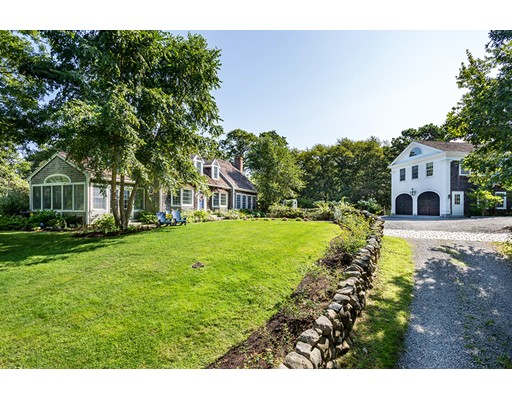 Maison unifamiliale pour l Vente à 22 Bridge Lane West Tisbury, Massachusetts 02575 États-Unis