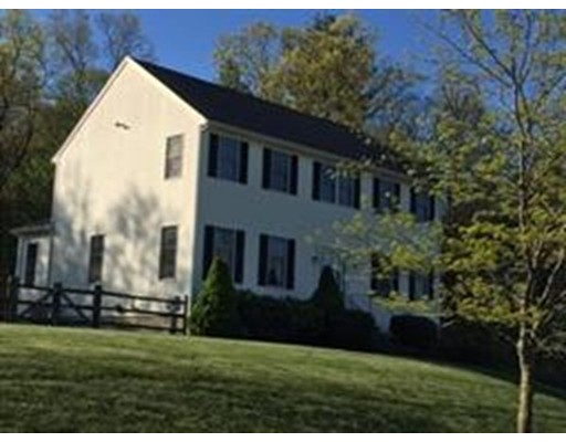 Single Family Home for Sale at 10 Old Quarry Road 10 Old Quarry Road Wrentham, Massachusetts 02093 United States