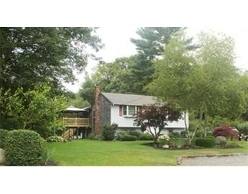 واحد منزل الأسرة للـ Sale في 190 JOYCE TERRACE 190 JOYCE TERRACE Whitman, Massachusetts 02382 United States