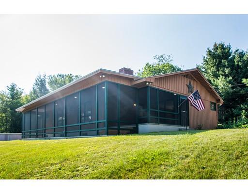 Частный односемейный дом для того Продажа на 145 Round Top Road Burrillville, Род-Айленд 02830 Соединенные Штаты