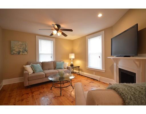 واحد منزل الأسرة للـ Sale في 307 LAUREL Street 307 LAUREL Street Manchester, New Hampshire 03103 United States