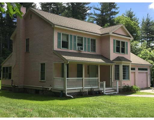 Single Family Home for Sale at 647 Hollis Street Dunstable, Massachusetts 01827 United States