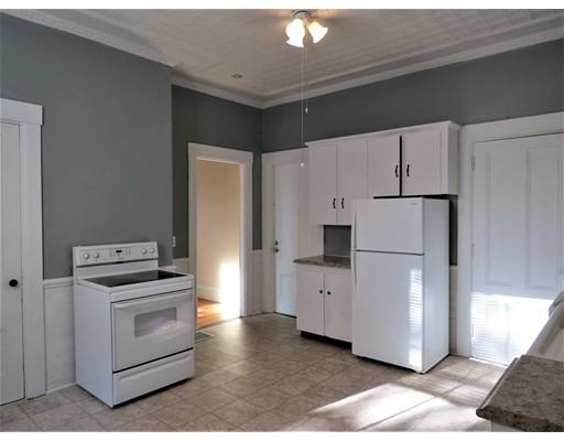 独户住宅 为 出租 在 275 Market Street Rockland, 马萨诸塞州 02370 美国