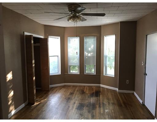Additional photo for property listing at 367 McGrath Highway  Somerville, Massachusetts 02143 Estados Unidos