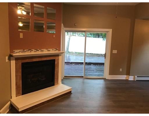 واحد منزل الأسرة للـ Sale في 211 Blossom Street 211 Blossom Street Fitchburg, Massachusetts 01420 United States