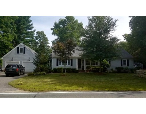 Single Family Home for Sale at 192 Perry Hill Road Acushnet, Massachusetts 02743 United States