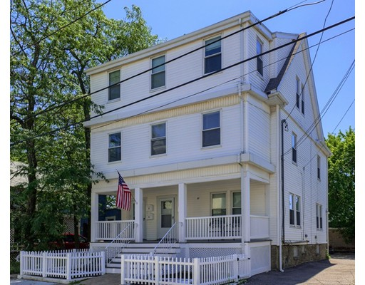 متعددة للعائلات الرئيسية للـ Sale في 37 Trident Avenue Winthrop, Massachusetts 02152 United States