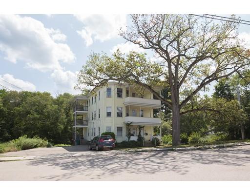 Casa Unifamiliar por un Alquiler en 142 Lamb Street Attleboro, Massachusetts 02703 Estados Unidos