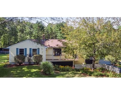Частный односемейный дом для того Продажа на 153 Streetebbins Street 153 Streetebbins Street Belchertown, Массачусетс 01007 Соединенные Штаты