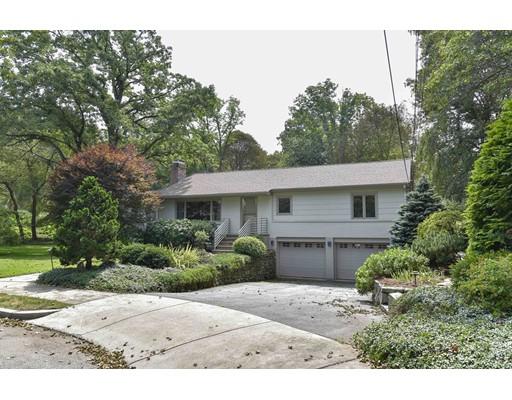 独户住宅 为 销售 在 40 Silver Birch Road 40 Silver Birch Road 牛顿, 马萨诸塞州 02468 美国