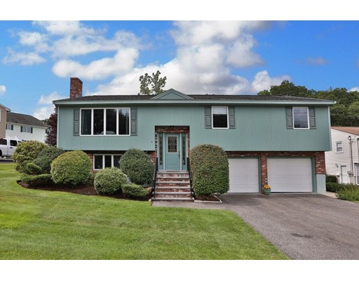 Single Family Home for Sale at 4 Jessica Lane Wakefield, Massachusetts 01880 United States