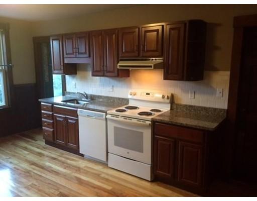 公寓 为 出租 在 137 Cedar Street #1 137 Cedar Street #1 Clinton, 马萨诸塞州 01510 美国