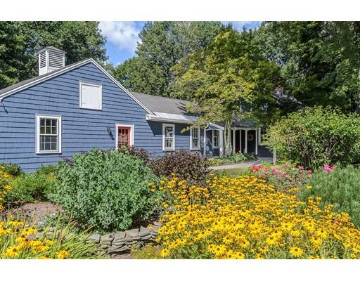 独户住宅 为 销售 在 143 Tremont Street 143 Tremont Street Mansfield, 马萨诸塞州 02048 美国