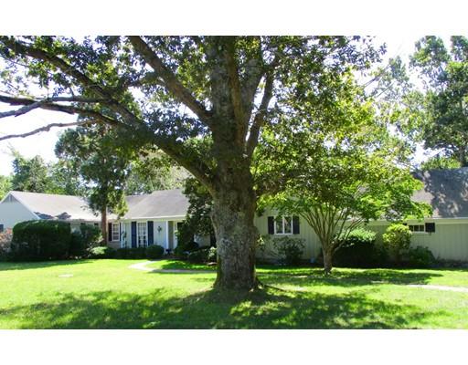 Casa Unifamiliar por un Venta en 330 Long Pond Drive 330 Long Pond Drive Yarmouth, Massachusetts 02664 Estados Unidos