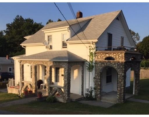 Maison avec plusieurs logements pour l Vente à 100 Lyman 100 Lyman North Providence, Rhode Island 02911 États-Unis