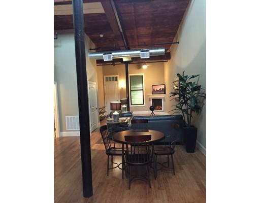 واحد منزل الأسرة للـ Rent في 55 Green Street Clinton, Massachusetts 01510 United States