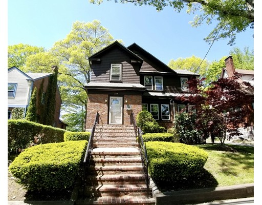 Picture 2 of 266 Russett Rd  Brookline Ma 3 Bedroom Single Family