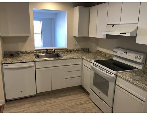 Condominio por un Venta en 1 Watermill Place #320 1 Watermill Place #320 Arlington, Massachusetts 02476 Estados Unidos