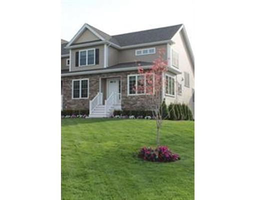 共管式独立产权公寓 为 销售 在 96 Essex Circle 96 Essex Circle Raynham, 马萨诸塞州 02767 美国