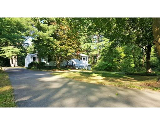 واحد منزل الأسرة للـ Sale في 693 Old Plymouth Street 693 Old Plymouth Street Halifax, Massachusetts 02338 United States