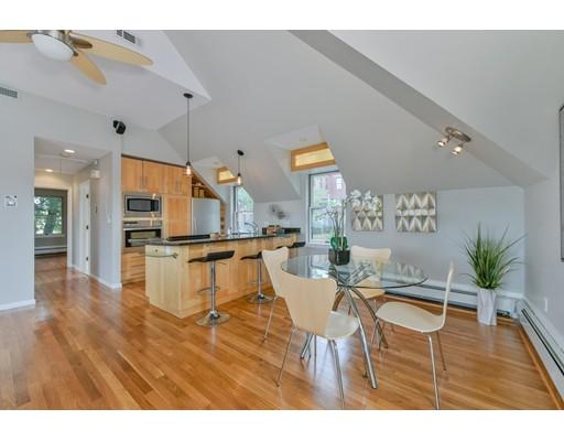 獨棟家庭住宅 為 出售 在 404 Meridian Street 404 Meridian Street Boston, 麻塞諸塞州 02128 美國