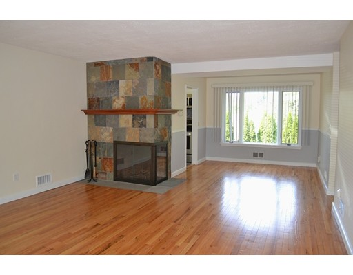 Single Family Home for Rent at 4 Universiry Drive Natick, Massachusetts 01760 United States