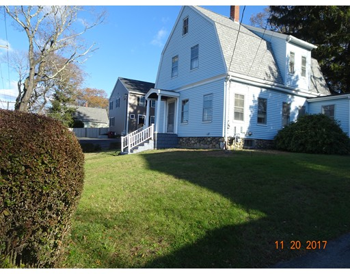 Casa Unifamiliar por un Venta en 65 Cambridge Street Middleboro, Massachusetts 02346 Estados Unidos