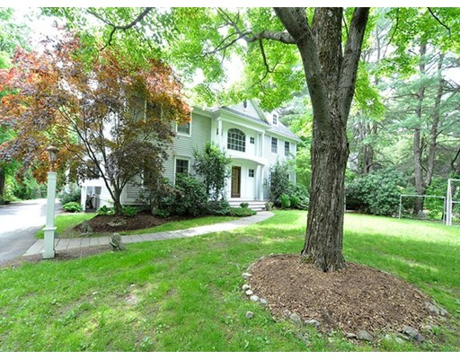 Single Family Home for Sale at 302 Grove Street Wellesley, Massachusetts 02482 United States