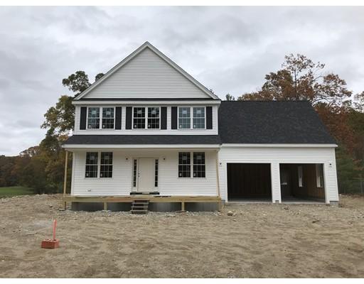 واحد منزل الأسرة للـ Sale في 96 Chestnut Street 96 Chestnut Street Foxboro, Massachusetts 02035 United States