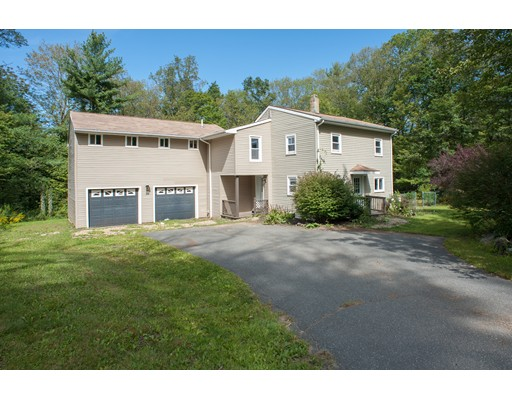 Single Family Home for Sale at 29 Crestwood Road Brimfield, Massachusetts 01010 United States