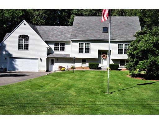 Casa Unifamiliar por un Venta en 25 Chatfield Drive 25 Chatfield Drive Litchfield, Nueva Hampshire 03052 Estados Unidos