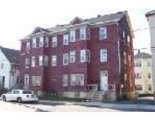 多户住宅 为 销售 在 163 Haffards Street 163 Haffards Street Fall River, 马萨诸塞州 02723 美国