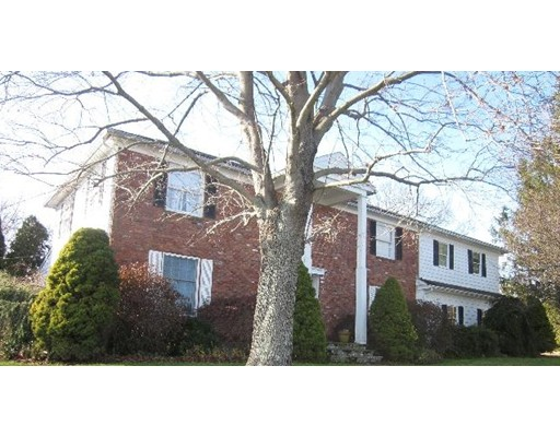 Single Family Home for Sale at 3685 Riverside Avenue 3685 Riverside Avenue Somerset, Massachusetts 02726 United States